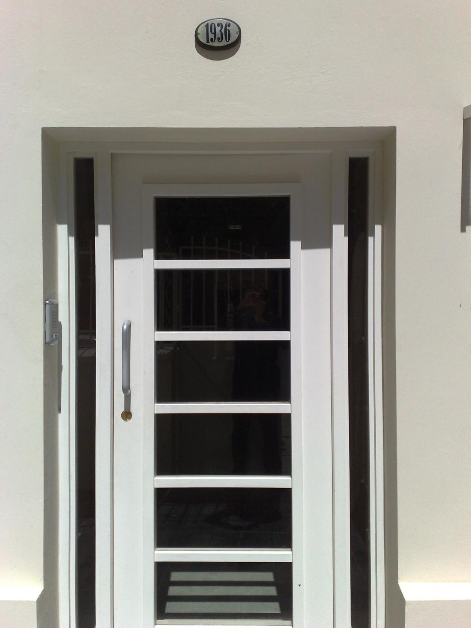 Puerta de entrada original - Barnizar puerta de entrada ...